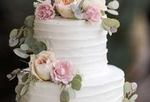 Celebrity Wedding Cakes / Check out what types of cakes the Celebrities are having!