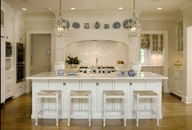 Kitchen Design & Decor / Creative & innovative solutions for organization and function in the kitchen.