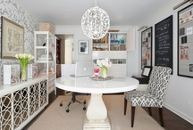 Home Office Design Solutions / Get down to business with these multi-faceted, space-maximizing design solutions.