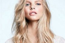 Long Blonde Hair - Wow Dropdead Gorgeous! / Long blonde hairstyle photos. Many different hairstyles but all with pretty girls with longer blonde hair cuts.   http://www.thehairweb.com/long-hairstyles---gallery-one.html