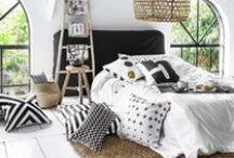 Bedroom / bedroom, bed, pillows, bedroom decorations