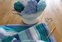 C R O C H E T  C R A F T S / Hats, bags, mug cozies and other cute crochet projects