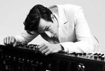 juis suis  MARK RONSON! / fan page of newyorker MARK RONSON  famous music artist and Dj Best collaborator of all time!