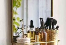 Pretty Little Things for Makeup / Tout ce qui entoure le makeup, les modules de rangement, les meubles, les décors, bref, l'impératif accessoire... ;)