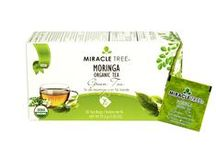 Miracle Tree's Organic Moringa Tea: Green Tea / This super-beneficial infusion combines fresh and organic Moringa dried leaves blended with the highest quality Green Tea leaves making it a truly ideal addition to your daily routine.  Our tea is unique – it's made of organic Moringa! We source our artisan tea from our own Moringa plantations in Sri Lanka.  Enjoy a box of 25 individually-enveloped tea bags made with USDA and EU certified Organic Dried-Leaf Moringa.