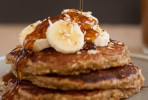 Who else could go for some flapjacks right now? / by Jenny Whitney