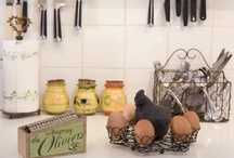 French Country Style Kitchen With A Few Well Chosen Accessories It S Easy To Add