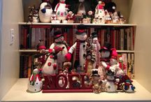 CHRISTMAS at MY HOUSE / My passion for Santa, snow people and sparkle ... I love Christmas