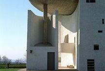 """arquitectura posmoderna / Movimiento de 1970,  formas y espacios funcionales, """"maquinas para vivir"""""""
