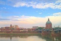 Walk in Toulouse / Toulouse est la plus belle ville du monde, et on te montre ici pourquoi. 'Cause Toulouse is a beautiful city, discover it with us.