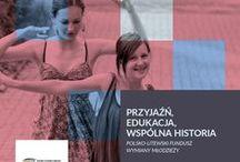 """Wystawa 2015: Polsko-Litewskiego Funduszu Wymiany Młodzieży /  """"Przyjaźń, edukacja, wspólna historia"""" to tytuł wystawy fotograficznej, na której zaprezentowano fotografie dokumentujące projekty realizowane w ramach Polsko-Litewskiego Funduszu Wymiany Młodzieży."""