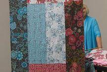 Zadní strana quiltu / Backing,hangin sleeves,labels.... Zádíčka,tunel na zavěšení,vizitky....