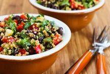 Salads nom nom! / by Levana Kirschenbaum