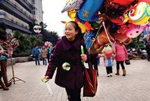 girl balloon sellers and her users / chinese girl's balloon life.