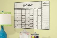 Dry Erase Wall Decals / Stay organized with these super easy wall decals from wallstickeroutlet.com