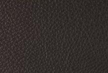 """Rivestimenti in pelle / Scegliamo solo pelli """"pieno fiore"""" conciate al vegetale della miglior qualità come rivestimento dei nostri imbottiti. Disponibile anche nella versione pelle anticata. Trovi i nostri divani in pelle al seguente link: http://www.divanisantambrogio.it/divani_pelle/"""