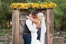 Country Chic Wedding / Country Chic Wedding Decor and country-themed wedding inspiration
