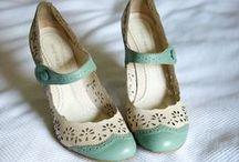 Cipők, táskák
