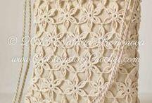 Crochet    bags/tassen
