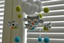háčkované hračky a pod. / crocheted toys, etc.