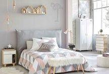 Linge de maison / Coussins, tapis, linges de maisons, plaids, serviettes et nappes.