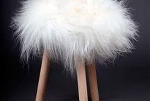 Les Top Moumoute / Hyper doux pour les fesses ! 100% peau de mouton naturelle. La Top Moumoute habille vos tabourets pour les rendre plus beaux et plus confortables... #sheepskin #topmoumoute #fabdesign