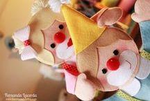 Fantoches Palhacinhos / Uma lembrancinha de aniversário mais que especial! Os fantoches de palhaços além de divertirem muito a criançada, podem ser usados também na decoração da Festa.