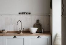 Cook's Kitchen / Ideas and inspiration to create a welcoming minimal kitchen.