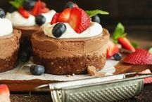 Easy Cheesecake Recipes / Everybody loves a delicious cheesecake. These recipes show you how easy it can be to make them at home. Vegan and gluten free taste sensations that are much healthier than dairy products.