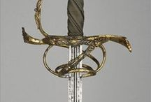 Rapier - Spada Striscia / The Rapier is a civilian sword used from the 1600 to the late 1700. Very long and heavy, with a single hand guard.