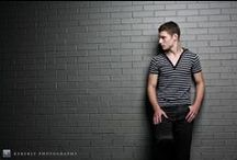 Teen Guy Photo Ideas / Find fun posing ideas for your teen or high school senior guy photography session!