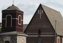 Kirkkomaalla / Churches in Finland