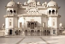 Architecture - India / Indian architecture / by Anke Metzger