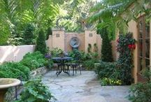 Small Gardens / Inspiration for small courtyard gardens and vegetable gardens.