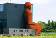 Bizarre Buildings / Bizarre shaped buildings from around the world