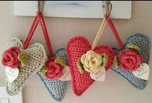 :: Crochet - Hearts, Butterflies and Bows ::