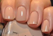 nails / by Brit Lyn