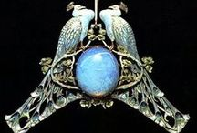 ART NOUVEAU & LALIQUE JEWELLERY / Beautiful Jewellery from a bygone age.