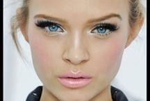 Makeup Looks / by Suyapa Cruz