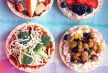 Crackers / Delicious, Vegetarian and Healthy Cracker Recipes Inspiration. You find the cracker pins I like at this board.