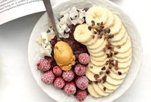 Oatmeal / Healthy, Vegetarian and Delicious Oatmeal Recipes Inspiration. You find the oatmeal pins I like at this board.