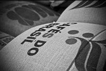 CAFFE' FUSARI. La nostra torrefazione: passione di una vita! / Visioni di interni del nostro laboratorio. Scorci della torrefazione artigianale di CAFFE' FUSARI, dove tutto viene curato personalmente a mano, come una volta, dalla creazione della miscela alla tostatura fino al confezionamento, per non perdere nulla di quello che per noi è il mestiere più bello del mondo.