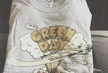 green day / you're not around and i'm a complete disaster.