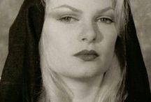 Zeena Schreck Gallery / Photos, portraits and artists' depictions of Zeena