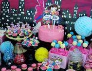 Supergirl| Pop Art / Sweet table im Pop Art Supergirl style