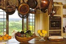 Kitchens / Kitchen design and layout