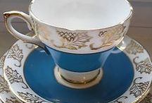 vintage tea cups saucers