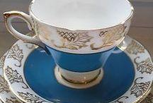vintage tea cups saucers