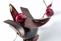 Dessert patisserie / To beautiful to eat..