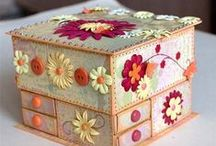 Zawsze przydatne / Tablica zawiera ciekawe i proste do własnoręcznego wykonania przedmioty, jest to na przykład pudełeczko na biżuterię lub na prezent.